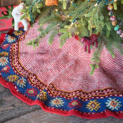 HEIRLOOM CANDY CANE TREE SKIRT