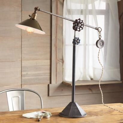 SACRAMENTO TABLE LAMP
