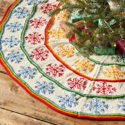 HEIRLOOM COLORFUL SNOWFLAKES TREE SKIRT